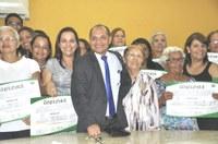 Professores e gestores recebem Título Cidadão Benemérito