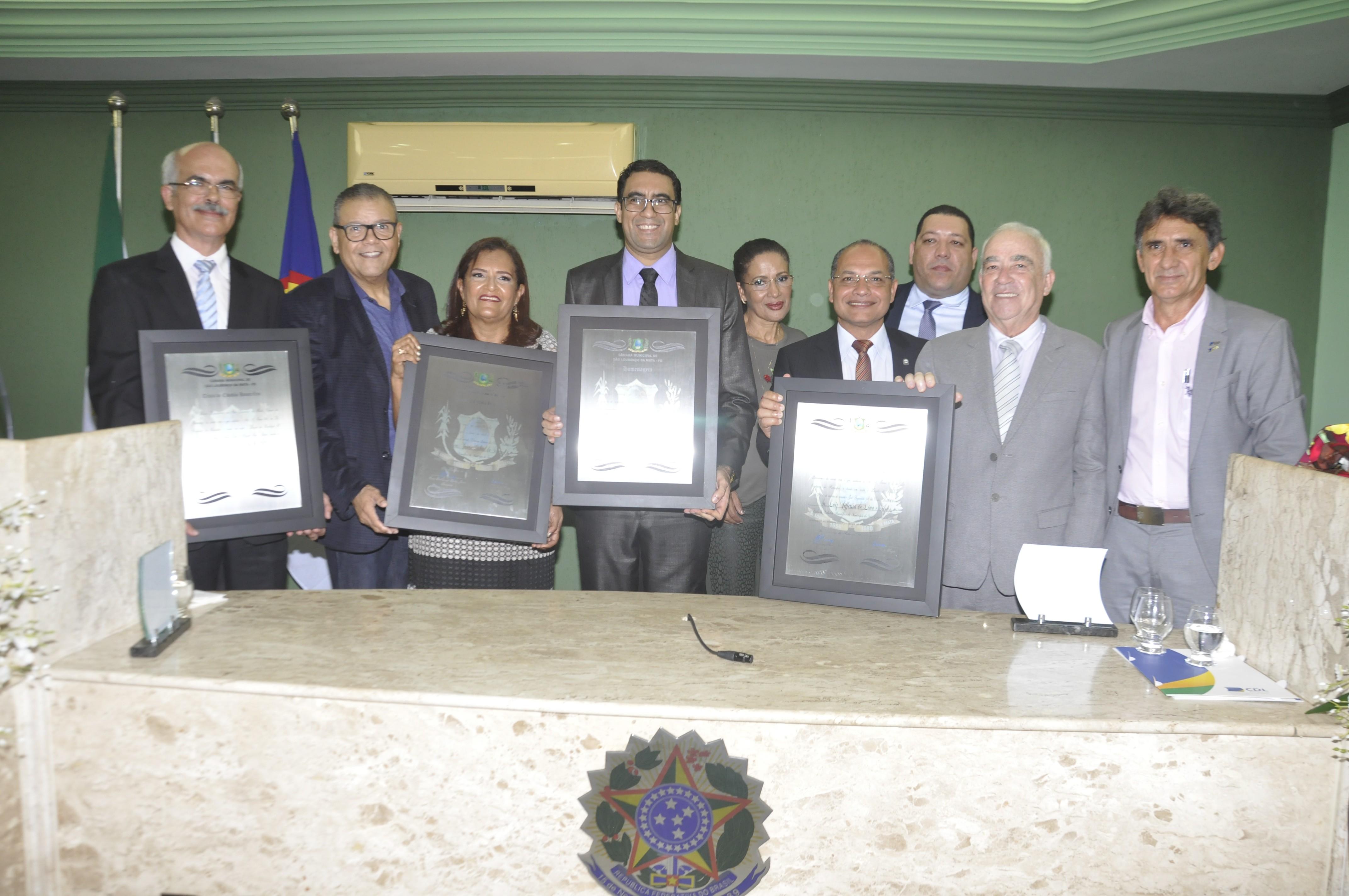 Representantes da CDL São Lourenço da Mata recebem Título de Cidadão Honorífico