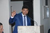 Vereador Roco é ovacionado em seu discurso, nesta segunda-feira (12)