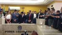 Vereadores e prefeito eleito são empossados neste domingo (1)