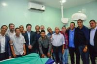 Vereadores participam da reabertura do Hospital Municipal