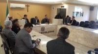Parlamento aprova projetos e requerimentos para melhoria da cidade